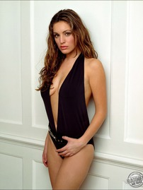 Kelly Brook In Sexy Swimsuit