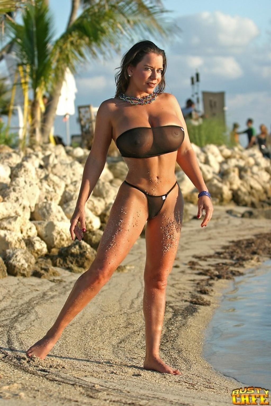Babe Alicia Nude 33