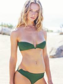 Hannah Ferguson In Sexy Bikini