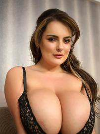 Katie T Shows Her Huge Boobs