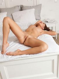 Niemira Shows Her Beautiful Pussy