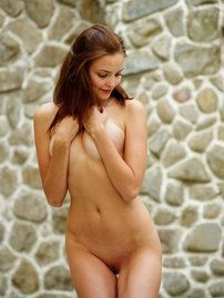 Amelie Beautiful Girl Posing Naked