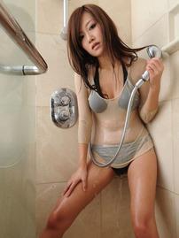 Ayako Yamanaka Sexy Shower