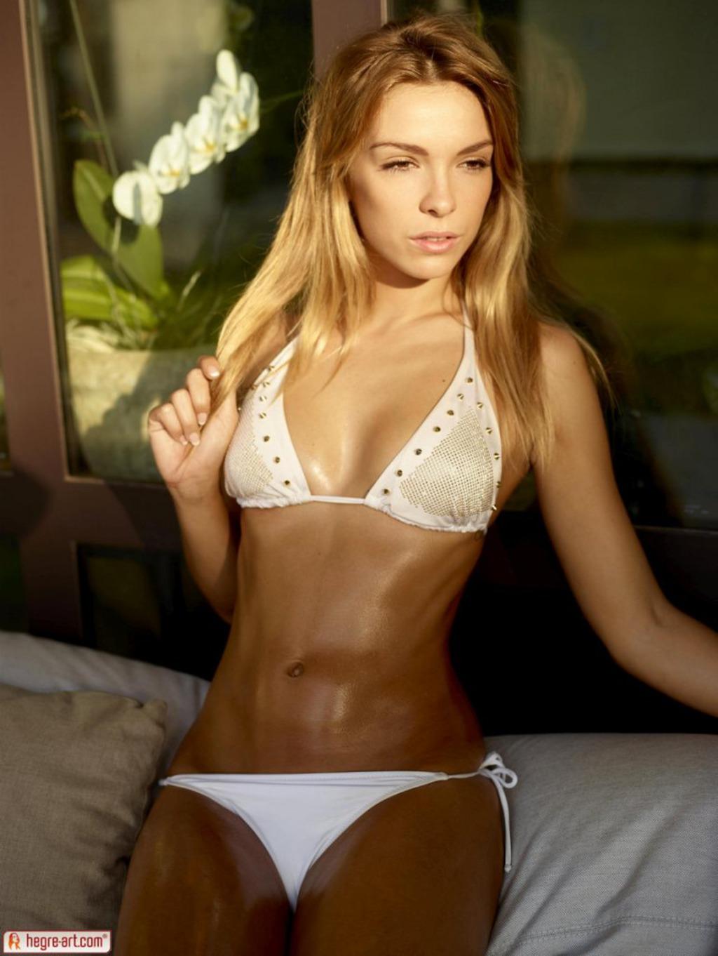 Amber In Sexy White Bikini 02