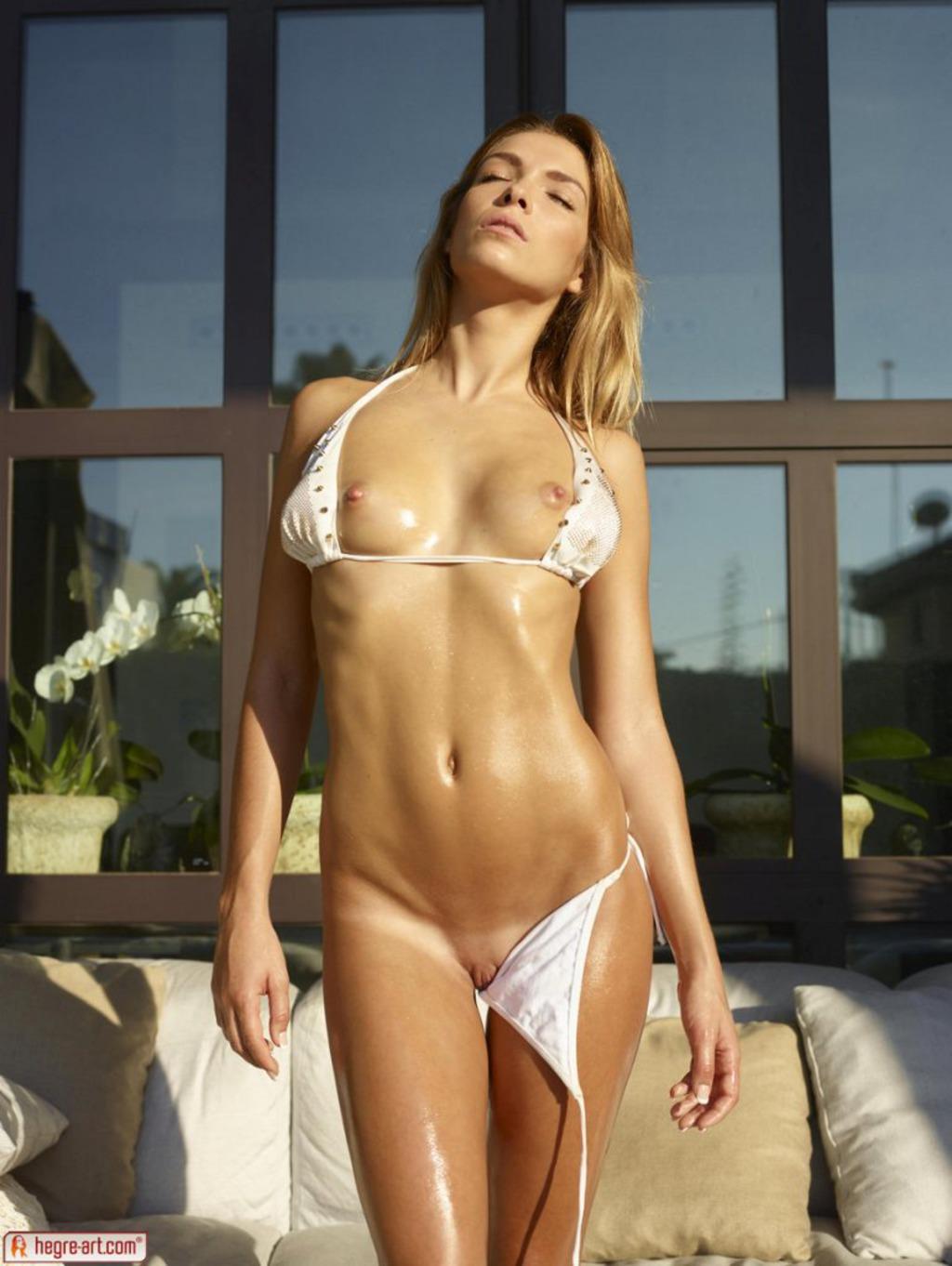Amber In Sexy White Bikini 05