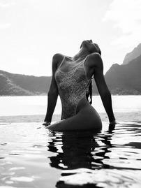Alexis Ren Fully Nude But Hiding Her Boobs