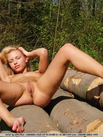 Evi Naked Girl Posing In Public