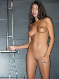 Lia Taylor Sexy Shower