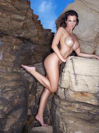 Gorgeous Helen De Muro