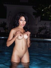 Beautiful Nasia Jansen Posing Naked In The Pool
