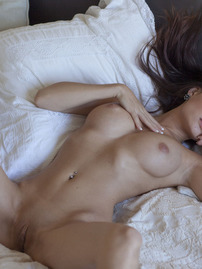 Nici Dee Plays On Bed
