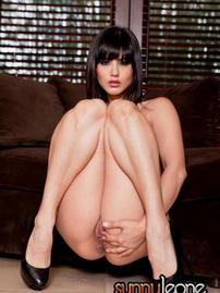 Sunny Leone Gets Naked And Plays
