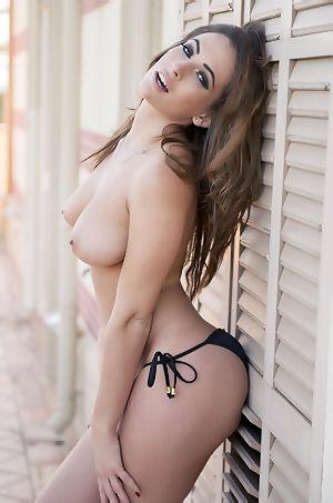 Anastasia Harris In Sexy Bikini