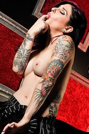 Sexy Tattooed Babe Joanna Angel
