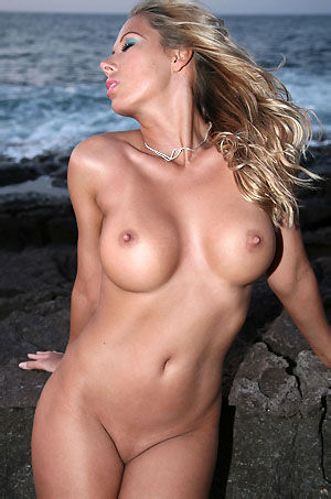 Nicole Posing Nude By The Sea