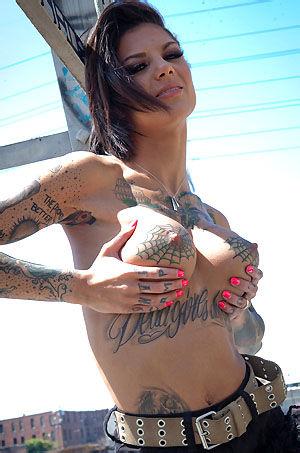Bonnie Rotten Sexy Tattooed Babe