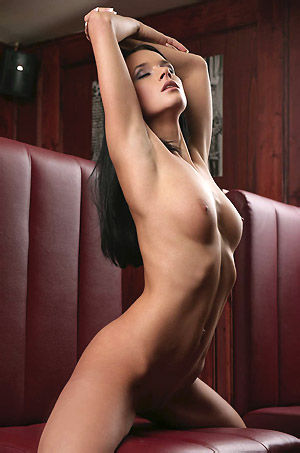 Busty Black Haired Babe Posing Naked