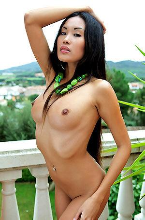 Davon Kim Sexy Asian Babe Posing Nude