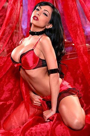 Lela Star Busty Latina Babe