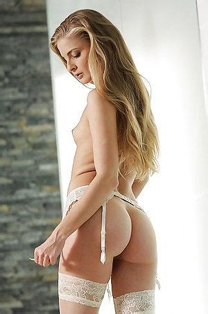 Cayenne Klein Hot Blonde Babe