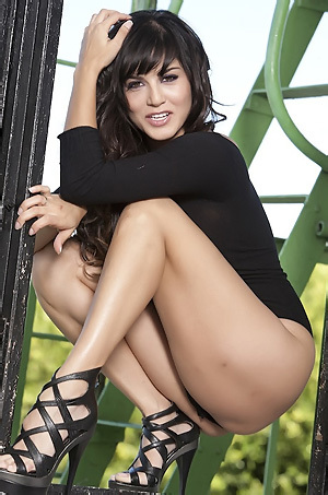 Sunny Leone In Sexy Bodysuit