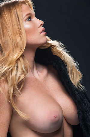 Gorgeous Elizabeth Ostrander
