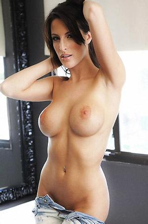 Big Titted Brunette Kortney Kane