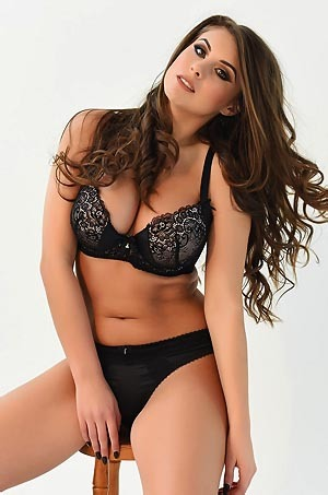 Busty Babe Sarah McDonald