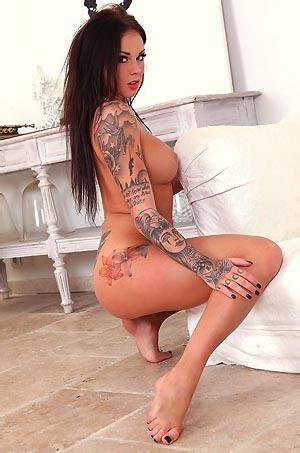 Sexy Tattooed Daniella Mae