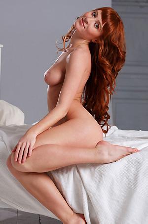 Gorgeous Redhead Girl Oxavia