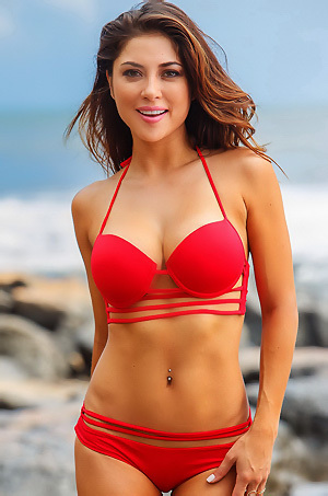 Arianny Celeste On The Beach