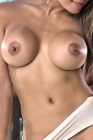 Jayd Lovely Attractive Tits