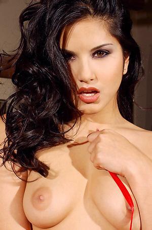 Sunny Leone Amazing Tight Hot Ass