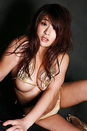Megu Fujiura In Gold Bikini