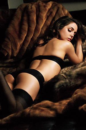 Eliza Dushku Glamour Pictures
