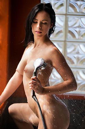 Veronica Radke Takes A Hot Shower