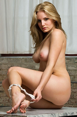 Liz Ashley Gets Nude