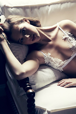 Anais Pouliot Poses In Sexy Lingerie