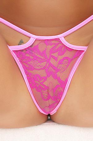 Melena Tara In Pink Bikini