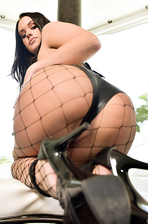 Black Haired Busty Pornstar Roxy Raye