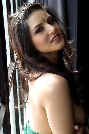 Sunny Leone In Sexy Dress
