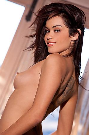 Sexy Latina Babe Daisy Marie