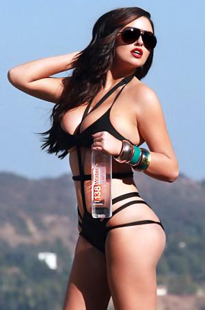 Abigail Ratchford In Sexy Black Bikini