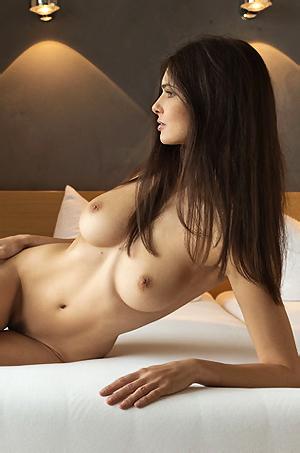 Jasmine Andreas Poses Nude