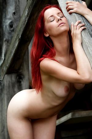 Hot Babe Ariel