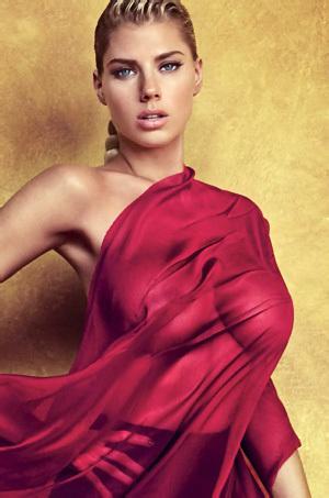 Busty Fashion Model Charlotte McKinney