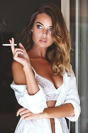 Beautiful Mainstream Model Annie Ericson