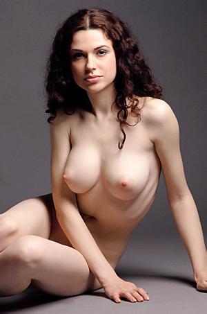Beautiful Girl Valda Nude In The Studio