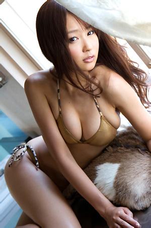Misaki Nito Asian Cover Girl