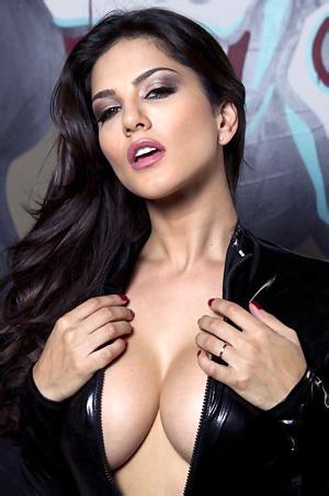 Sunny Leone In Latex Dress